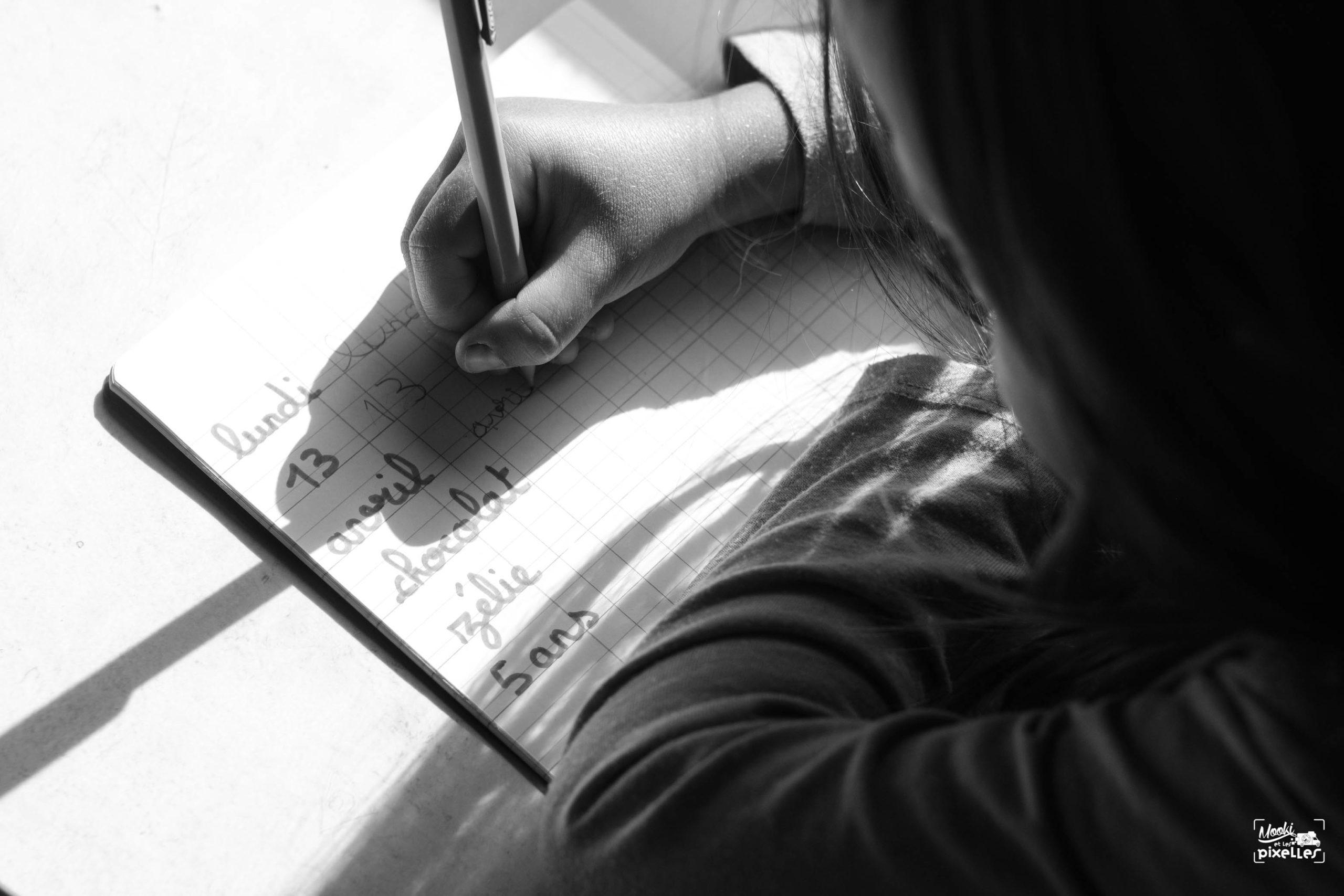 écriture quotidienne en instruction en famille