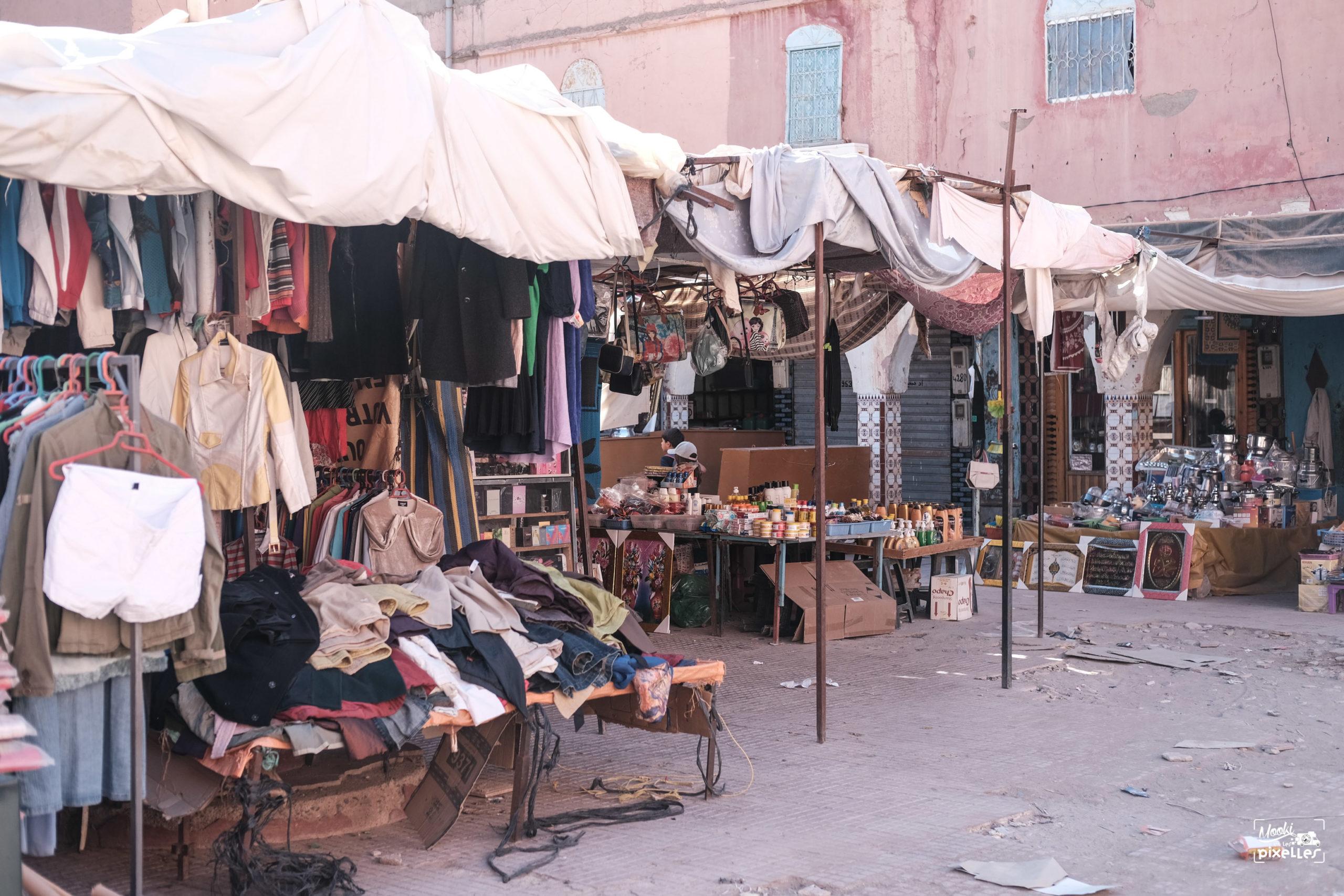 Marché dans le centre de Tata au Maroc
