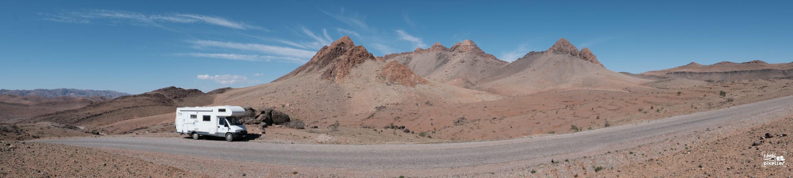 Panorama montagneux dans l'Atlas Marocain
