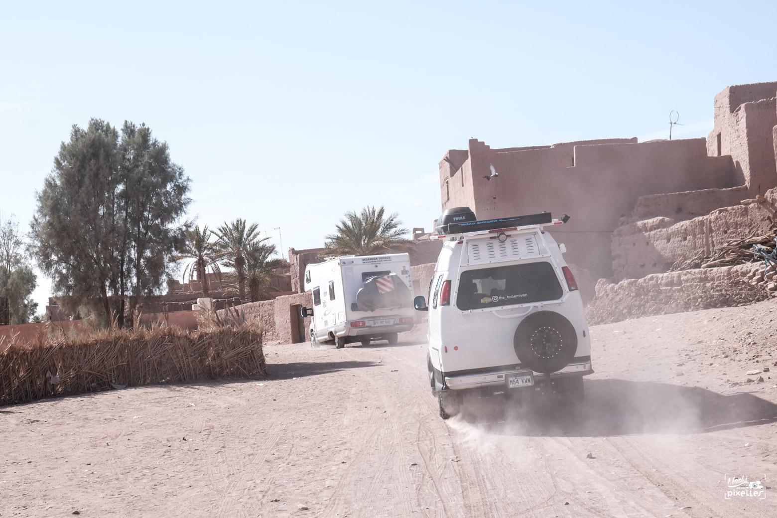 Convoit de capervan dans le vieux M'hamid