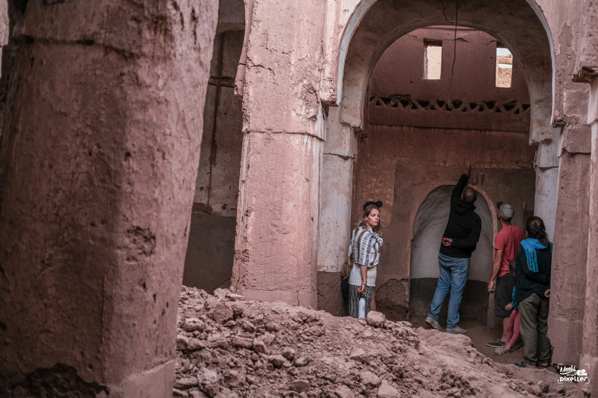 Visite d'une ancienne mosquée à Mhamid au Maroc
