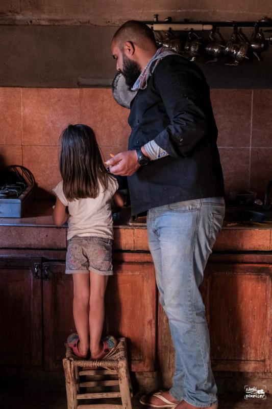 Nos enfants participent au cours de cuisine au Maroc