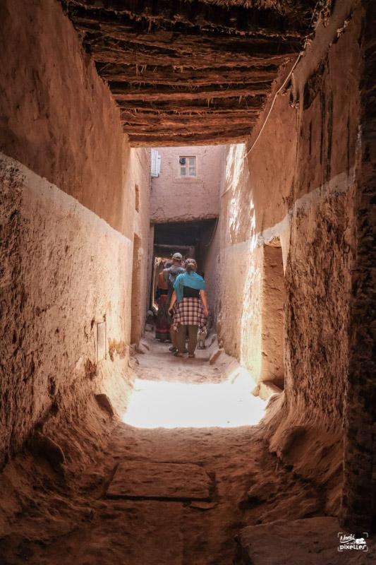 Dans les ruelles de Tamegroute au Maroc