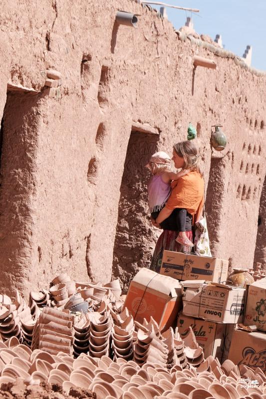 Entrée d'un atelier de poterie au Maroc