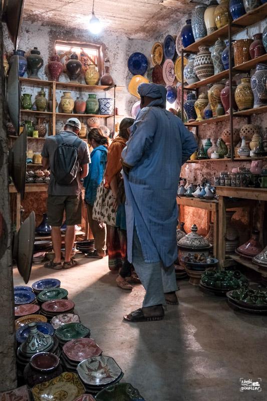 Magasin de poterie au Maroc