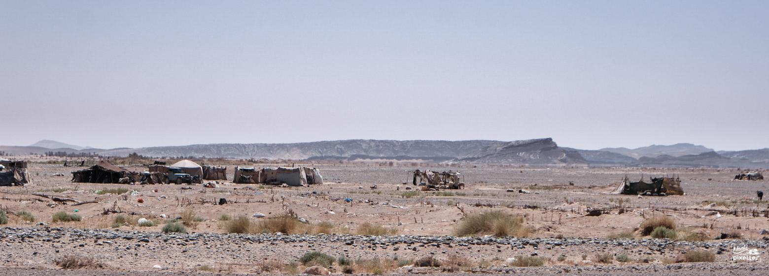 Campement nomade dans la chaleur